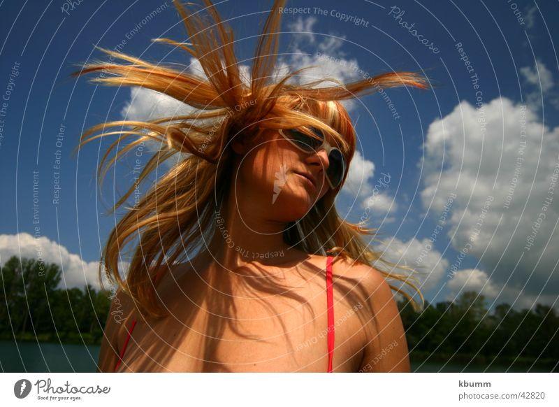 agent_fox Frau Himmel Sonne blau Strand Haarsträhne