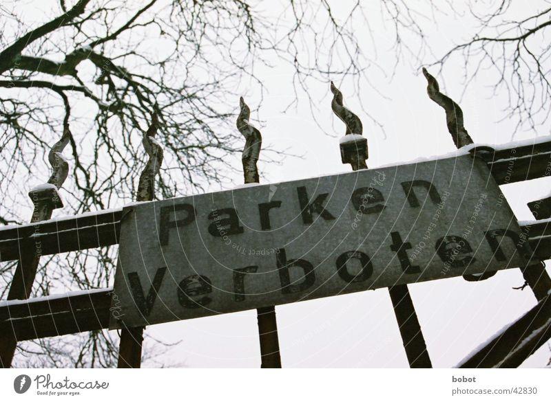 Hau blos ab! Einfahrt geschlossen Verbote parken Winter Pferch stoppen Halt Einschränkung Freizeit & Hobby Tor Schnee Schilder & Markierungen