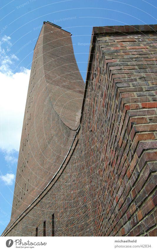 Ehrenmal Laboe Himmel blau Ferien & Urlaub & Reisen Wolken Architektur hoch Ecke Tourismus Turm Backstein Denkmal Ostsee U-Boot
