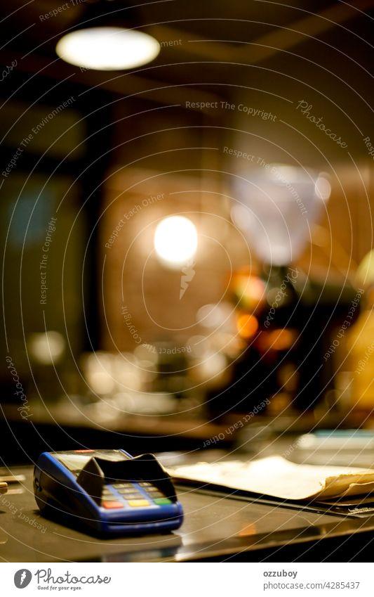 Elektronische Datenerfassung EDC Terminal Postkarte Kredit Bankkarte Maschine Geld Zahlung Business Klient Speiselokal bezahlen online Werkstatt