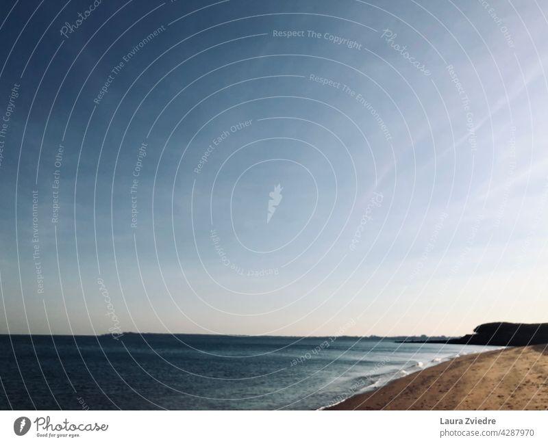Ruhiger und friedlicher Strand Küste Wasser MEER Himmel Natur im Freien Lifestyle Urlaub Sommer Skyline Freiheit Abenteuer Meer Tourismus Außenaufnahme