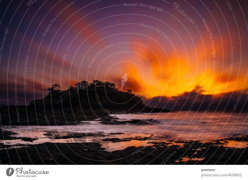 Lagerfeuer, Wein und Stille Himmel Natur schön Wasser Sommer Meer Erholung Landschaft Freude Strand Umwelt Gefühle Küste Glück Felsen Stimmung