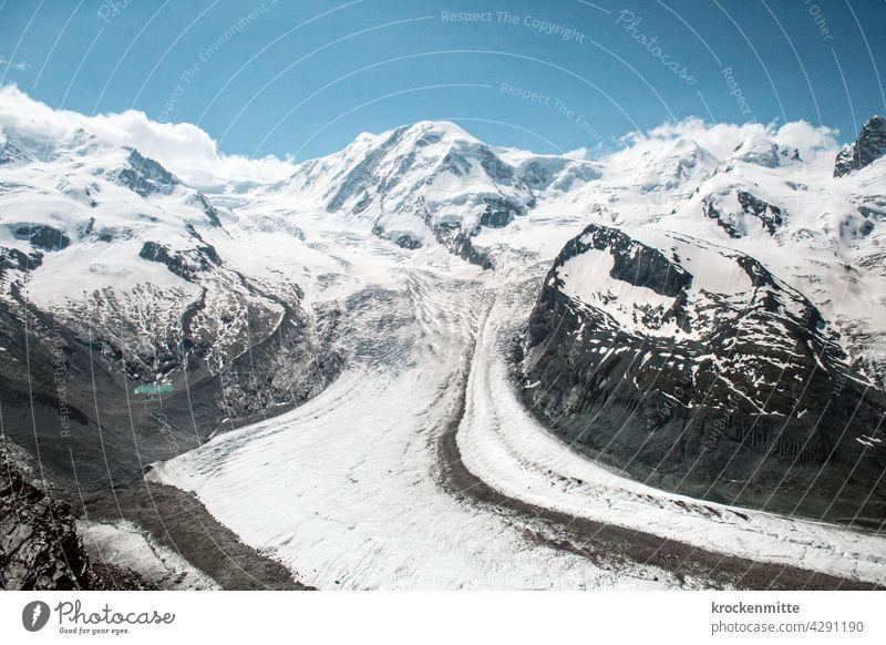Blick auf den zweitgrössten Gletscher der Alpen, den Gornergletscher / Zermatt, Schweiz Berge u. Gebirge Gipfel Natur Himmel Matterhorn Wolken Außenaufnahme