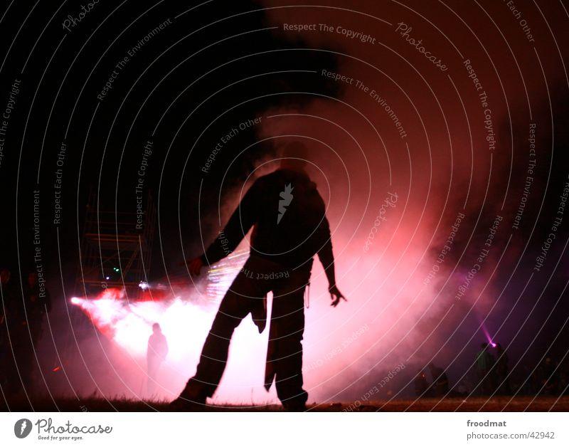 Nebeltanz Lärz Nacht rosa Gegenlicht Club Party Musikfestival fusion 2005 Tanzen Tänzer Rauch Silhouette Schatten Partygast