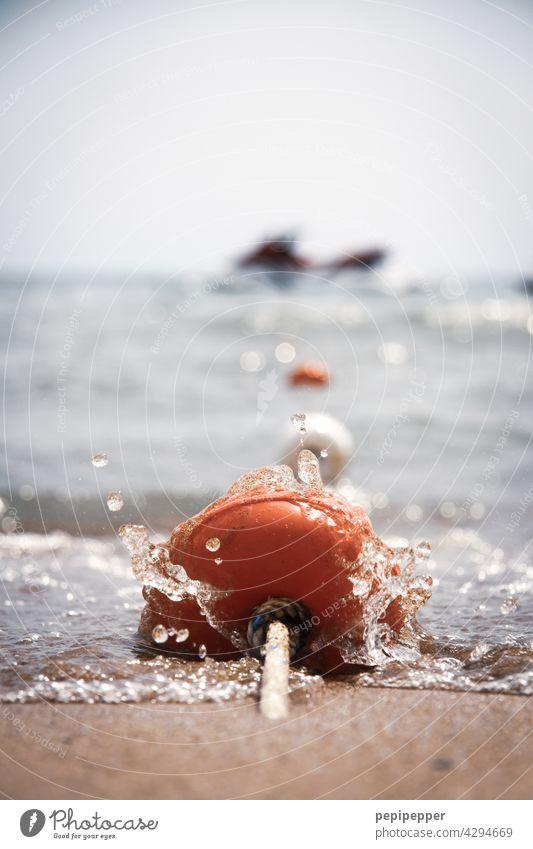 Jet-Ski an Festmachleine Ferien & Urlaub & Reisen Tourismus Sport Wasser Wellen Wellengang Wassertropfen Wasserfahrzeug Wasseroberfläche Wassersport