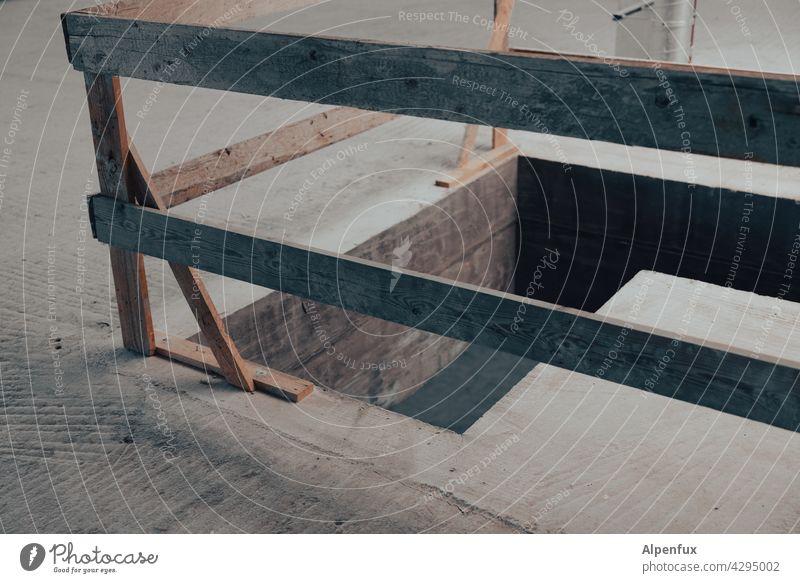Sperrbezirk Absperrung Baustelle Sicherheit Barriere Bauzaun Menschenleer Zaun Schutz Gitter Strukturen & Formen Verbote Holzzaun Unfallvermeidung