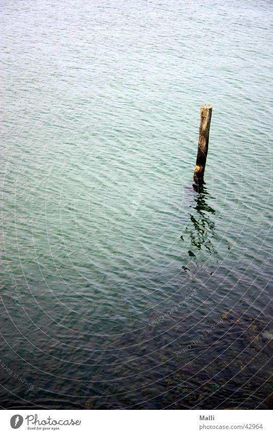 einsam auf see Wasser Meer grün blau Wellen Hafen Pfosten Balken