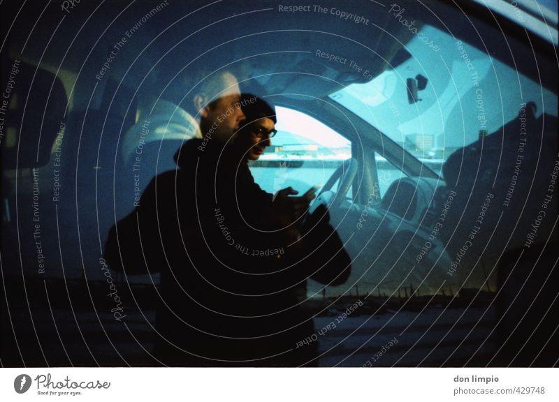 some business Mensch Ferien & Urlaub & Reisen Winter sprechen Autofenster Stimmung Business maskulin sitzen warten beobachten fahren Sitzung