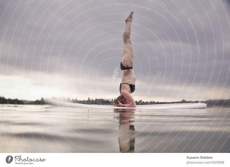 supyoga Sport Fitness Sport-Training Wassersport Leichtathletik Yoga Mensch feminin Junge Frau Jugendliche Körper 1 18-30 Jahre Erwachsene Bewegung Surfbrett