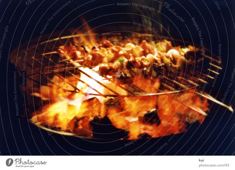 GrillParty Ernährung Grillen Fleischspieß Feuer Glut Wärme Rindfleisch lecker Grillrost