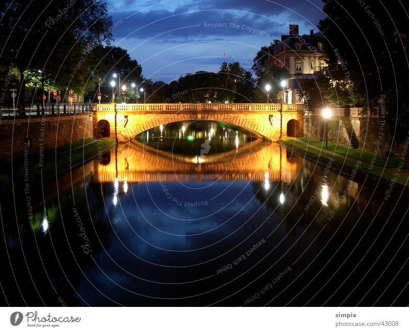 Strasbourg de nuit IV Straßburg Nacht Langzeitbelichtung l'Ill Brücke Place de la République