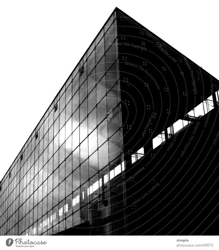 Musée d'art moderne et contemporain Musée national d'art moderne Straßburg Architektur Schwarzweißfoto Glas Stein