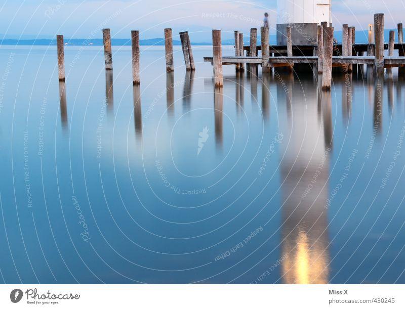 Spiegel Ferien & Urlaub & Reisen Wasser Meer ruhig Ferne Küste See Horizont leuchten Seeufer Hafen Bucht Bauwerk Ostsee Nordsee Schifffahrt