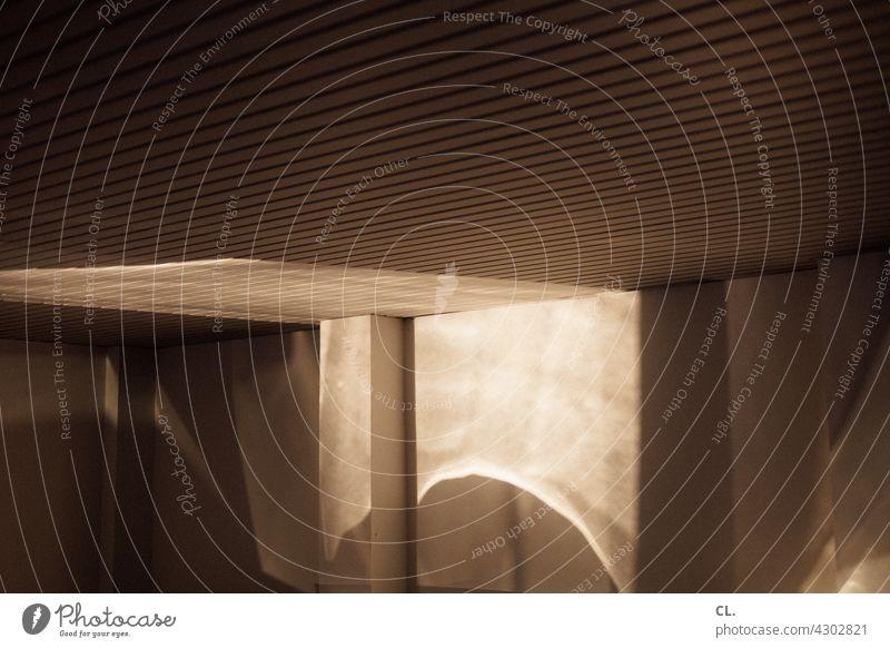 licht in der garage Garage Licht Lichtspiel Lichterscheinung Reflexion & Spiegelung abstrakt Strukturen & Formen geheimnisvoll dunkel