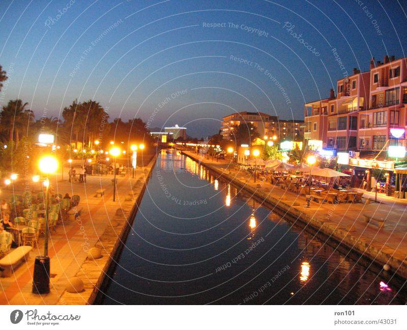 NachtFluss Himmel blau dunkel Beleuchtung Europa Mallorca Alcudia