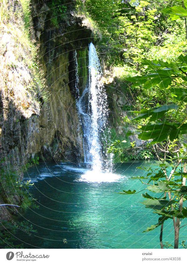 Wasserfall Gischt nass grün Nationalpark Kroatien Oase Natur Plitvice Paradies
