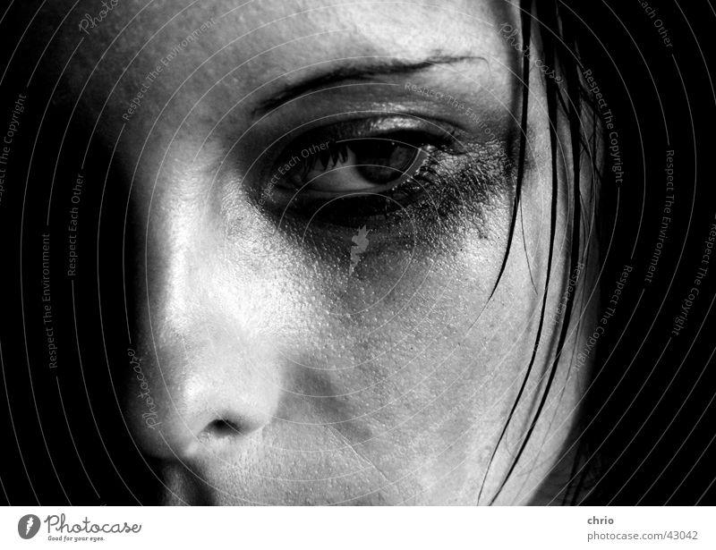 trauer 2 Frau Haarsträhne Schminke Trauer Pore dunkel Blick Haare & Frisuren Tränen Haut Traurigkeit