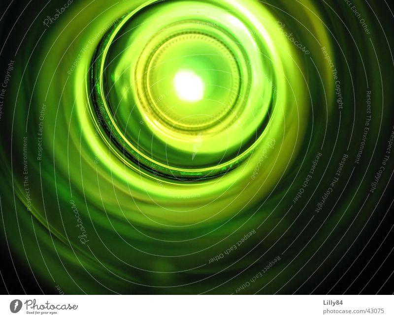 Sprudelflasche grün Einblick Licht Alkohol Mineralwasser Flasche Kreis Auge