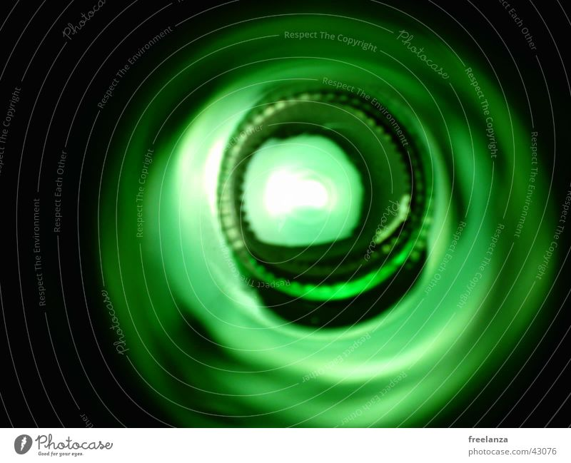 Flasche grün schwarz hell obskur