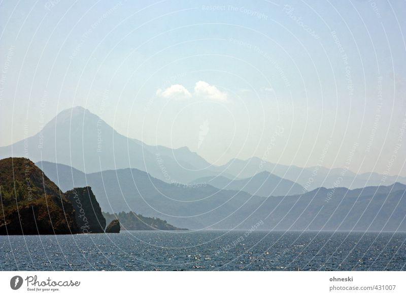 Landschaftsformen Wasser Meer Ferne Berge u. Gebirge Küste Felsen Horizont Urelemente Hügel Bucht Mittelmeer Türkei Ägäis