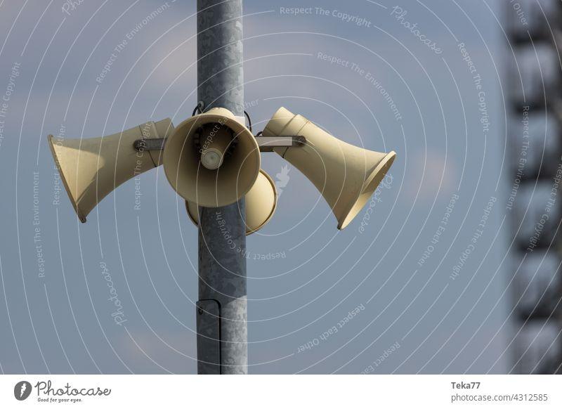 Die Lautsprecher laut audio stimme warnung alarm Megaphon durchsage musik