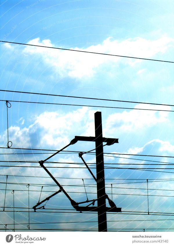 StyleOberleitung Deutschland Verkehr Eisenbahn Energiewirtschaft Elektrizität führen Strommast Leitung Lebensgefahr