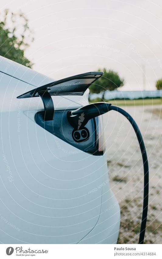 Elektroauto aufladen Elektrizität elektrisch Energie Elektrisches Gerät Technik & Technologie Energiewirtschaft Anschluss Kabel Umwelt Automobil PKW Elektronik