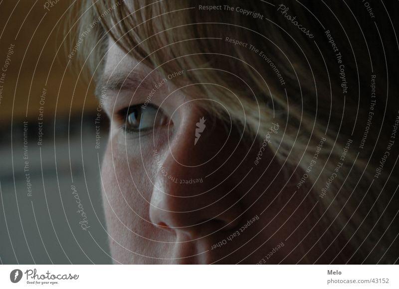 Melo Porträt feminin Frau Auge Nase Haare & Frisuren melo Gesicht Blick Perspektive