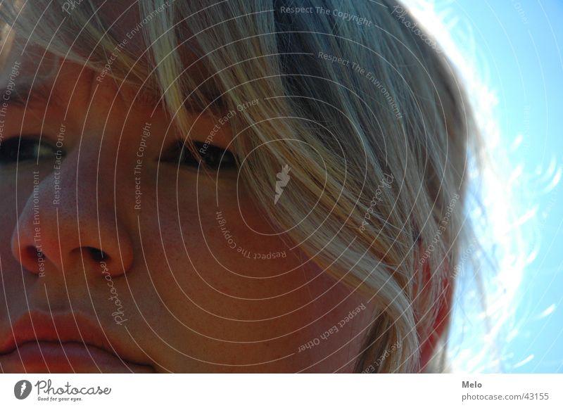 melo Gegenlicht Frau Nase Gesicht Blick Sonne Schatten Haare & Frisuren Auge Perspektive