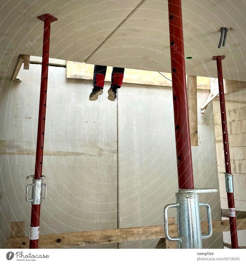 Pause am Bau Handwerker Renovieren bauen Leiter Werkzeug Wand Mauer Haus Arbeit & Erwerbstätigkeit Arbeitsplatz Baustelle Stütze Bauarbeiter Bauwerk Wohnung
