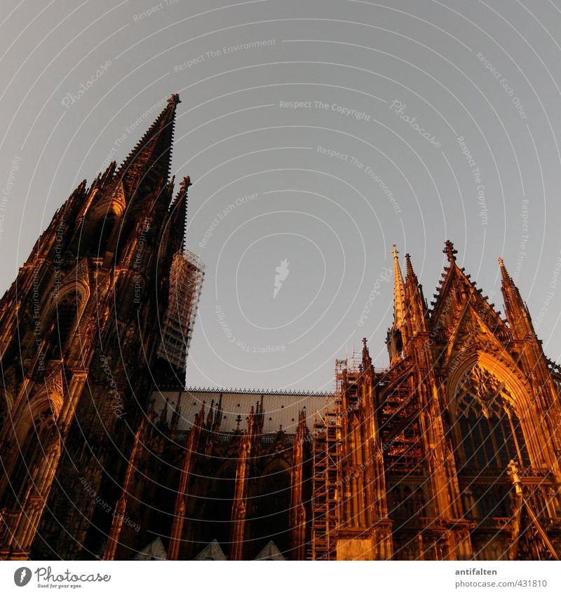 Domkloster 4 Stadt Architektur Religion & Glaube außergewöhnlich braun Deutschland orange Fassade gold Tourismus Beton Kirche Dach Zeichen Baustelle Kultur