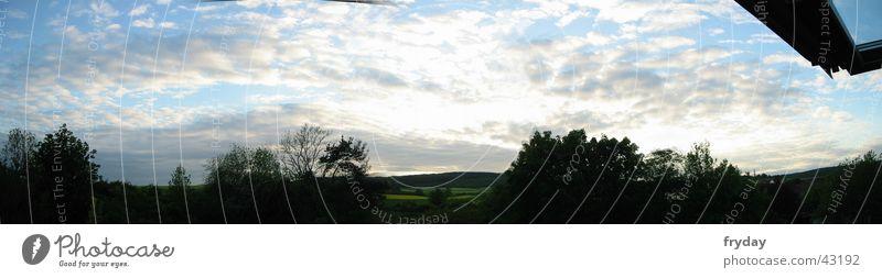 weiter himmel Panorama (Aussicht) Weitwinkel Wolken Baum Gegenlicht Sonnenuntergang Himmel groß Panorama (Bildformat)