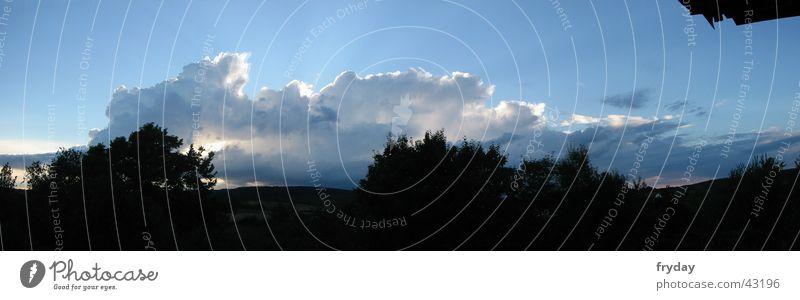 wolkenwand I Panorama (Aussicht) Weitwinkel Horizont Wolken Lamm Wolkenwand blau groß Panorama (Bildformat)