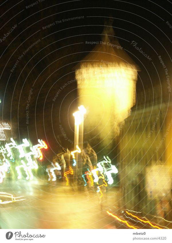 Tübinger Tor bei Nacht Tübingen Stadt Langzeitbelichtung Unschärfe Architektur Reutlingen Turm Licht PKW blur