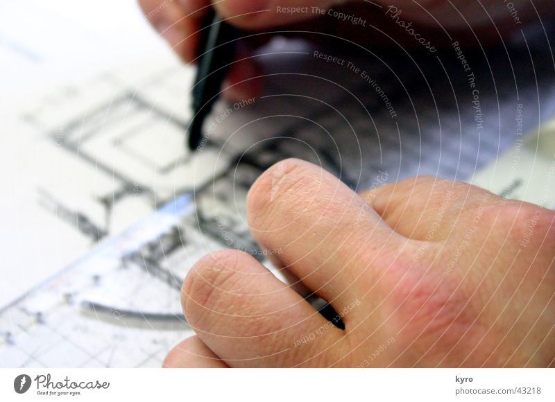 Architekt Mann Hand Haus schwarz Wand Linie Wohnung Finger Schreibstift Gemälde Genauigkeit messen Zeichnung Präzision Skala