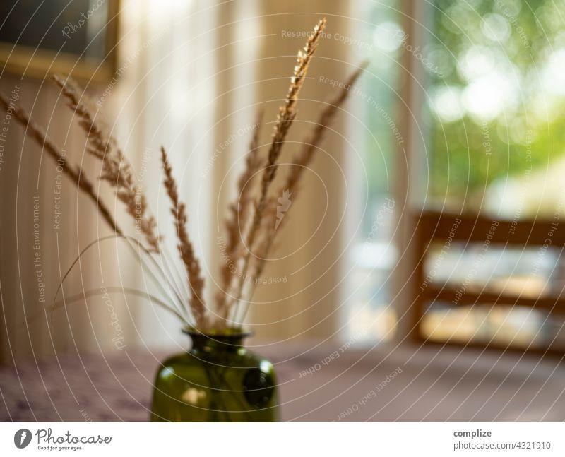 Trockengras in der Vase Dekoration & Verzierung dekorativ Gräser Wohnung natürlich Wohnzimmer Tisch Esstisch Stuhl Stil home