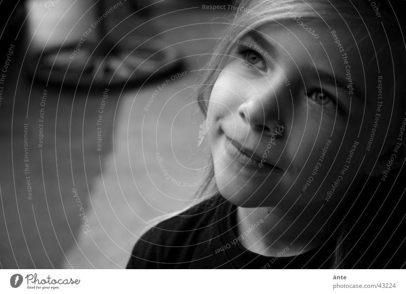 Anja Kind schön Mädchen Einsamkeit Gesicht Auge Spielen Religion & Glaube Haare & Frisuren lachen Glück träumen Zufriedenheit nass Nase Fröhlichkeit