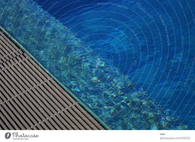 summertime Schwimmbad Sommer Am Rand Licht diagonal Chlor Freizeit & Hobby blau Wasser Reflexion & Spiegelung Stab