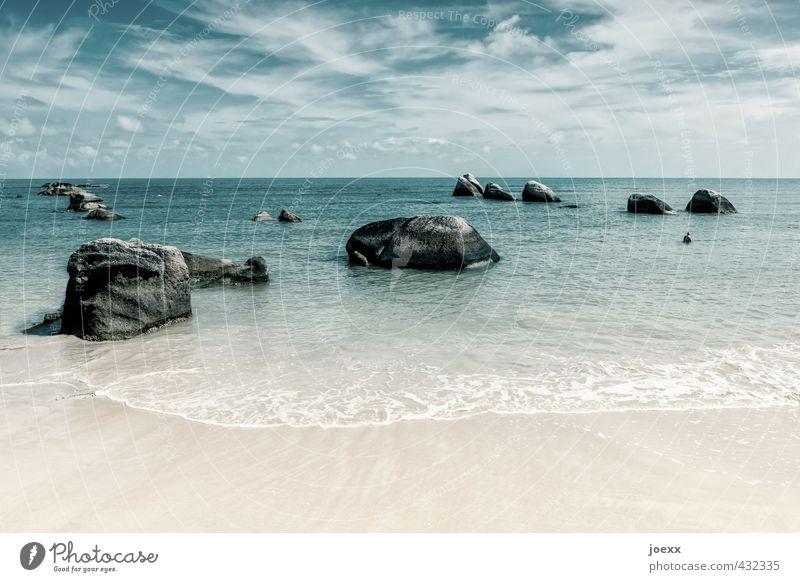 Das Ewige und das Vergängliche Himmel Natur Ferien & Urlaub & Reisen blau weiß Wasser Sommer Meer Wolken Strand Ferne grau Stein Sand Horizont braun