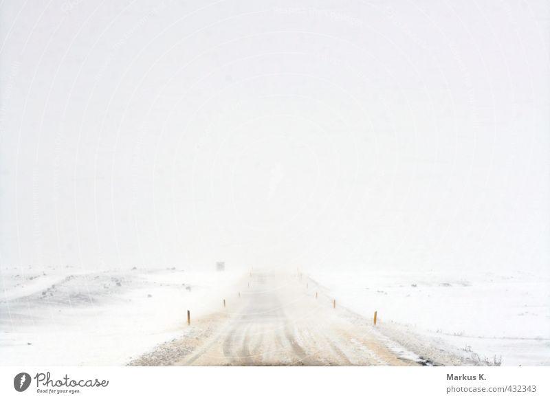 Snow White Landschaft Winter Klima Klimawandel Wetter Unwetter Sturm Eis Frost Schnee Island Verkehrswege Straße Bewegung fahren frieren bedrohlich kalt gelb