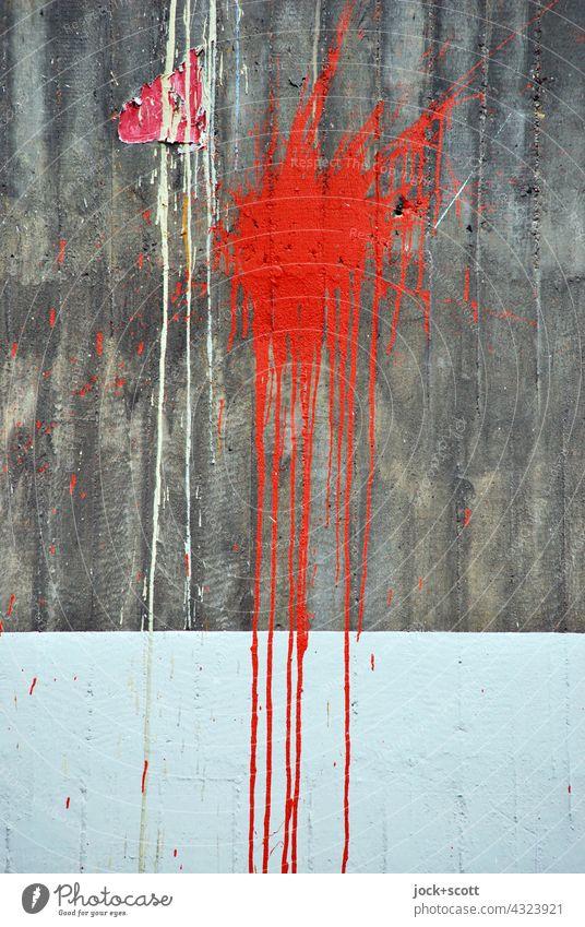 Roter Klecks auf Beton Straßenkunst Detailaufnahme Strukturen & Formen abstrakt Farbverlauf fließen Farbfleck Kreativität Graffiti Fleck Oberfläche Subkultur