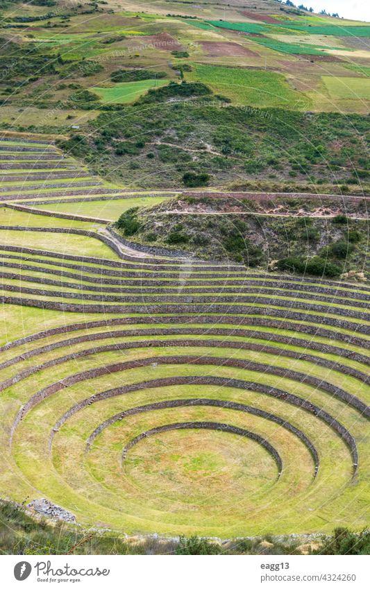 Moray, archäologische Stätte im heiligen Tal von Cusco. Muräne Cuzco heiliges Tal Inca Peru Zivilisation Panorama Landwirtschaft Labor Experiment horizontal