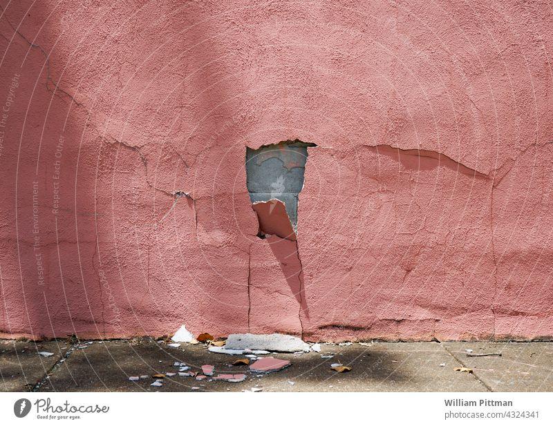 Rosa Verfall rosa rosa Hintergrund rosa Wand Riss geknackt Mauer Farbfoto Außenaufnahme alt gebrochen verputzen verfallen Wandel & Veränderung Vergänglichkeit