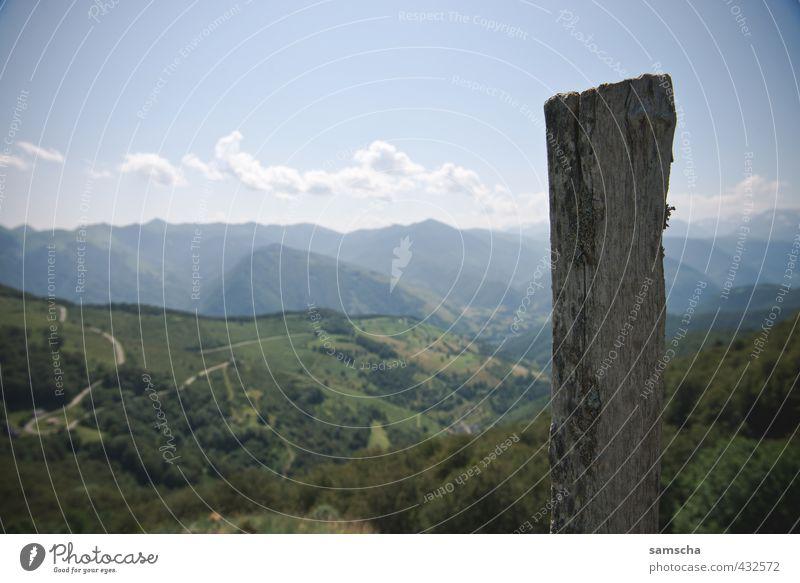 in den Pyrenäen Ferien & Urlaub & Reisen Tourismus Ausflug Abenteuer Ferne Freiheit Sommer Berge u. Gebirge wandern Umwelt Natur Landschaft Hügel Alpen Gipfel