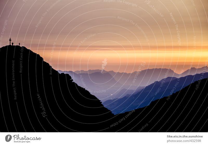 frühmorgendliches gipfelglück. Freizeit & Hobby Ferien & Urlaub & Reisen Tourismus Ausflug Abenteuer Ferne Freiheit Sommer Berge u. Gebirge wandern Mensch 2