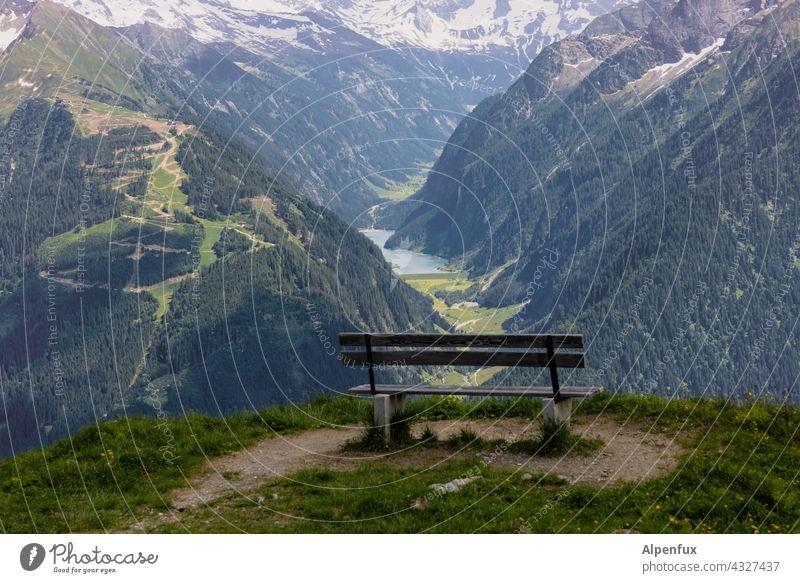 Gute Aussichten Bank Panorama (Aussicht) Außenaufnahme Berge u. Gebirge Tal Alpen Ferne Gipfel Felsen wandern ausruhen genießen Ferien & Urlaub & Reisen Tag