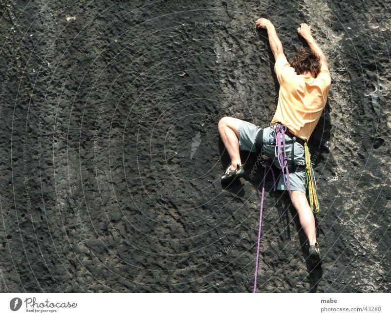 klettern im elbsandstein Freeclimbing Elbsandstein Sachsen Schweiz Extremsport Klettern Felsen sportklettern