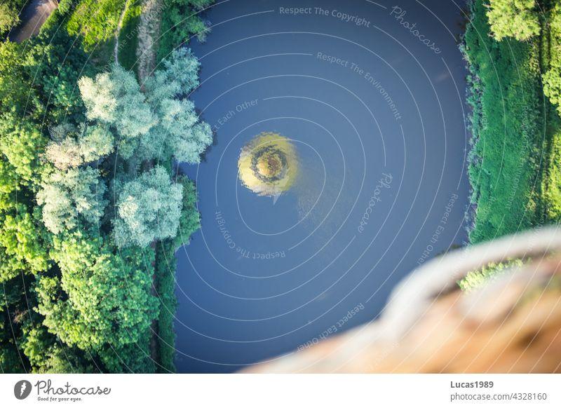 Ballon spiegelt im Fluss Wald Vogelperspektive Ballonfahrt Sonnenuntergang Wege & Pfade entdecken Abenteuer Expedition hoch in der Luft Natur leise still stille