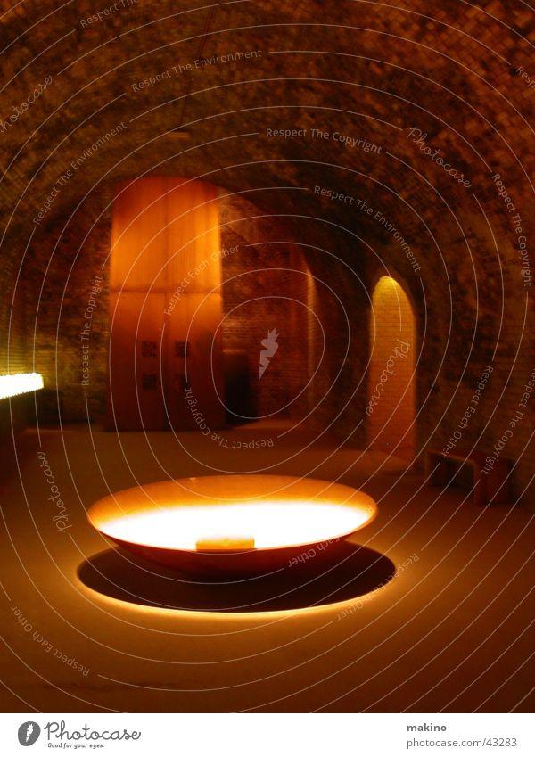 Riesentopf Wasser dunkel Stein Sand Architektur Raum Felsen Schalen & Schüsseln Topf Höhle