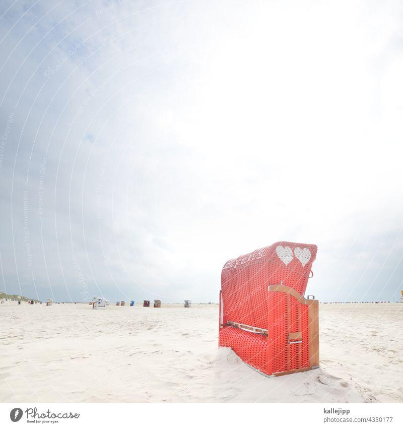 inselliebe Strandkorb rot Liebe Herz Ferien & Urlaub & Reisen Amrum Korb Ruhe lieben Sex Meer Küste Sommer Sand Ostsee Nordsee Erholung blau Tourismus Himmel